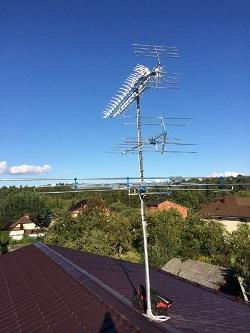 Установка трехсекционной телевизионной антенны. Лето 2016 г.