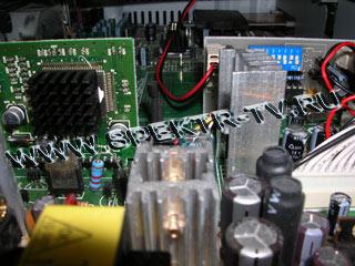 Датчик и плата управления в спутниковом ресивере Samsung DSR 9500